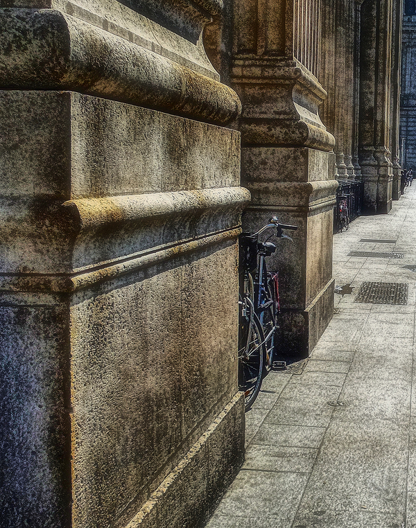 bicycle street photography Paris